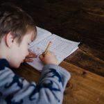 【早いほどいい?】医学部を目指す為には何歳から勉強を始めるべきか